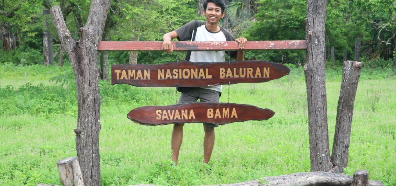 Pak Anggi Gunawan di Taman Savana Bama, Banyuwangi